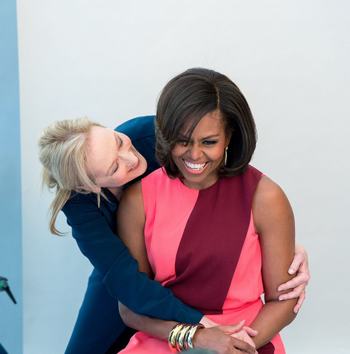 meryl streep + michelle obama are the iconic duo i never knew i needed <br>http://pic.twitter.com/WTgifrGdaf