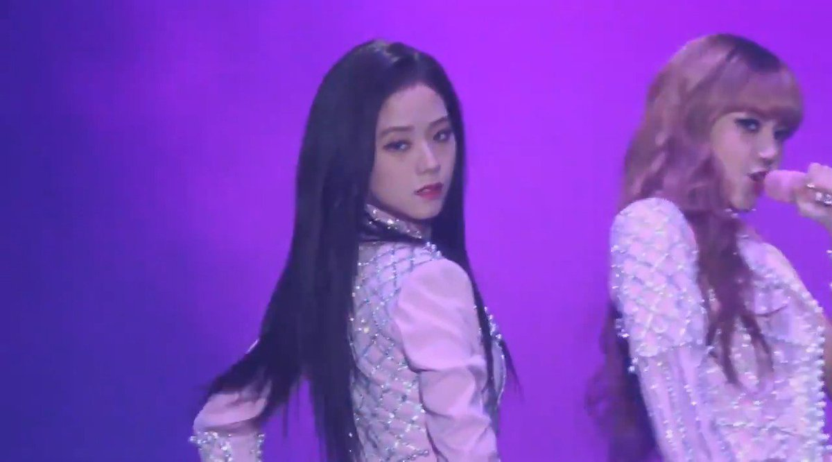 RT @acturistic: jisoo has grown so much as a performer #7YearsWithArtistJISOO https://t.co/wSmt8PWbVA