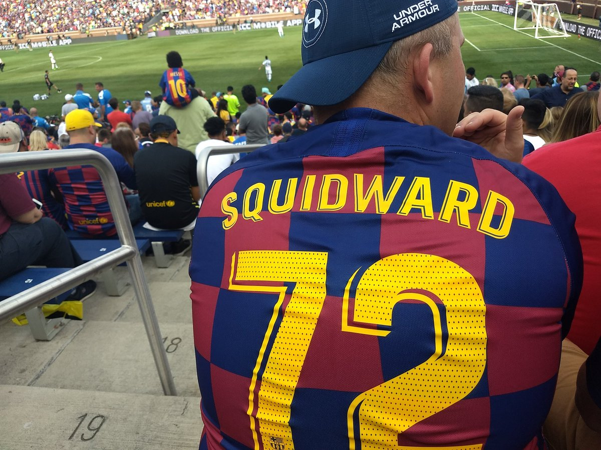 Shoutout to this dude at the Barcelona vs Napoli game last weekend who undisputably has the best Barca jersey https://t.co/bkbIaFQkFB