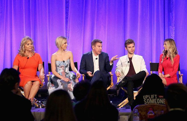 USA Network reportedly cancelling #ChrisleyKnowsBest due to tax evasion scandal involving Todd & Julie Chrisley; Couple surrenders to authorities: https://tinyurl.com/y3cwzql9