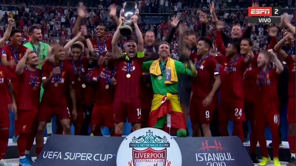 EB9l8CqWsAEb5LD?format=jpg&name=large Liverpool / Chelsea : Sadio Mané offre la Supercoupe d'Europe aux Reds Buts des Lions