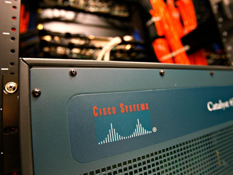 Cisco forecasts first-quarter profit below estimates; shares slide