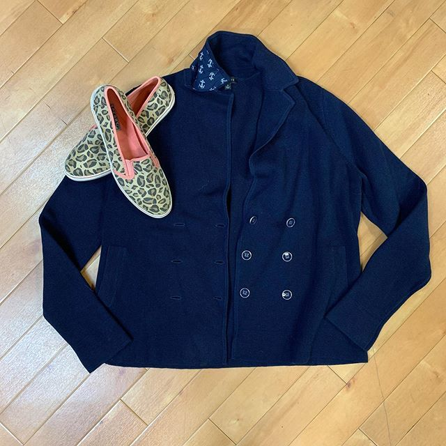#sailingaway #casualandcute Talbots sweater/jacket size S $16 Sperrys size 8 $16  To purchase give us a call at 610-455-1500, send us a DM of this post with your PayPal email or stop in store before 9pm  Have designer goodies that you'd like to sel… https://ift.tt/2T6x8r1pic.twitter.com/Bz67qryRrn