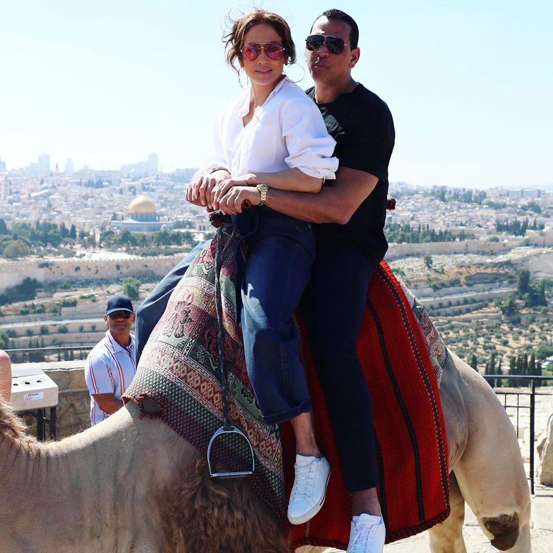Лопес и Родригес на верблюде в Иерусалиме