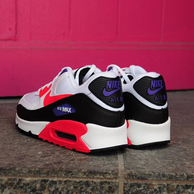 Nike Air Max 90 Raptors AJ1285 106 Release Info
