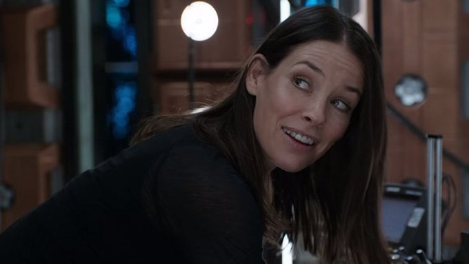 Happy Birthday to Evangeline Lilly