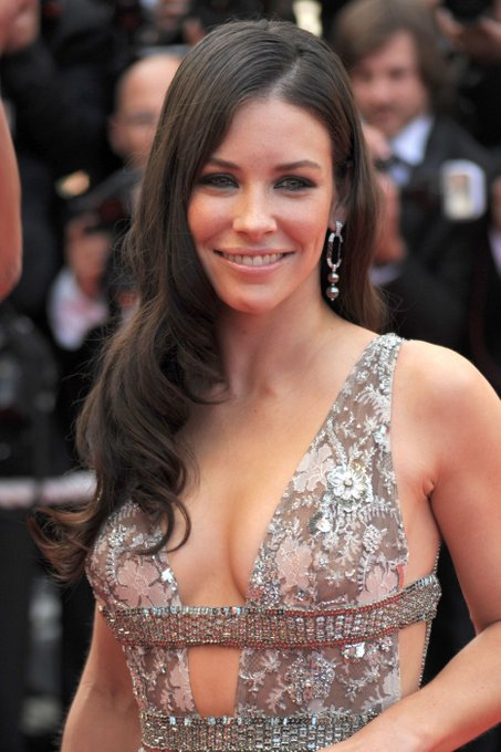 Happy 40th Birthday Evangeline Lilly!