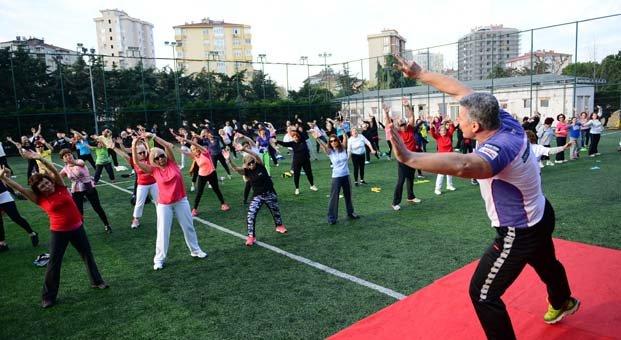 Kadıköylüler ünlü sporcuların hocalığında spor yapıyor