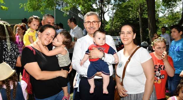Türkiye'de ilk kez anne ve anne adayları Üsküdar'da Emzirme Şenliği'nde buluştu