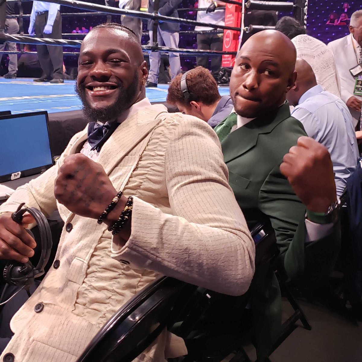 The CHAMPS—past and present—are in the building. @bronzebomber and @LennoxLewis will be ringside tonight on #PBConFOX for #KownackiArreola.