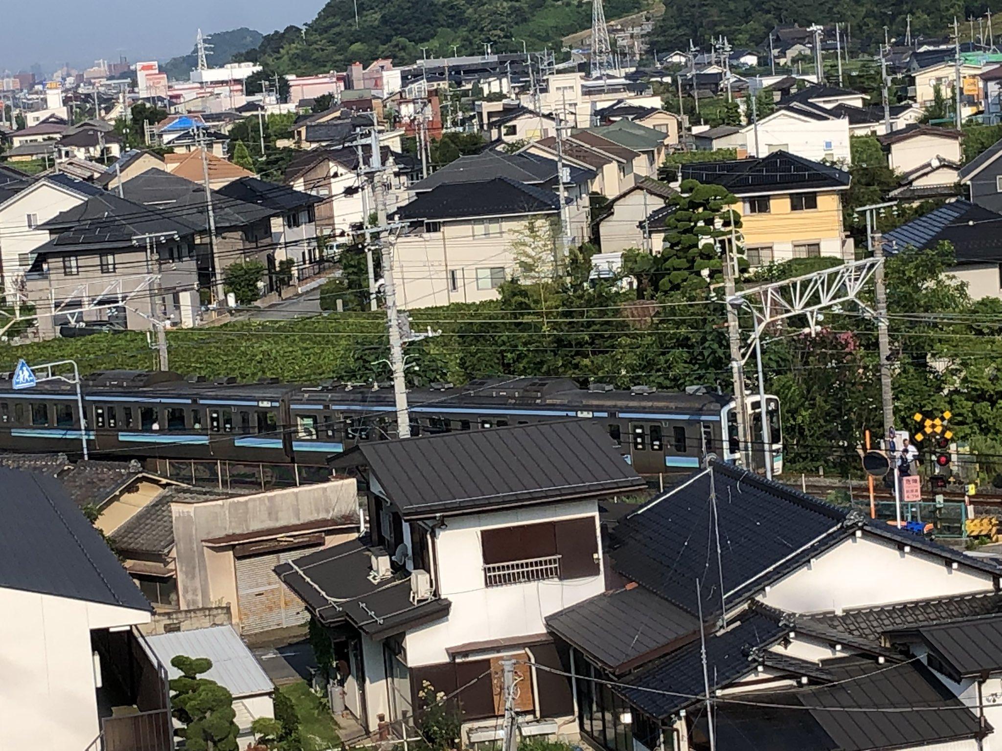 中央本線の春日居町駅~石和温泉駅間の踏切で人身事故が起きた現場の画像