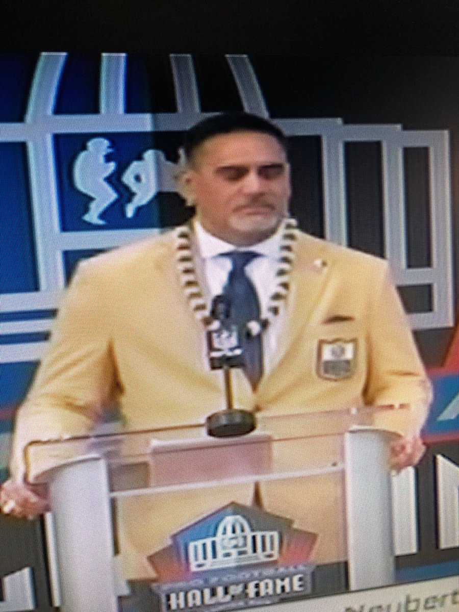 So proud of former Titan Kevin Mawae being inducted into the NFL Hall of Fame tonight. He is a man of character and spoke of his faith openly at the induction tonight.