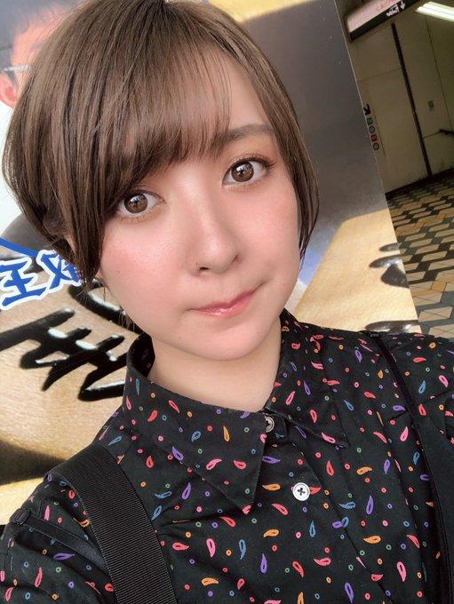 グラビアアイドル紺野栞のTwitter自撮りエロ画像43