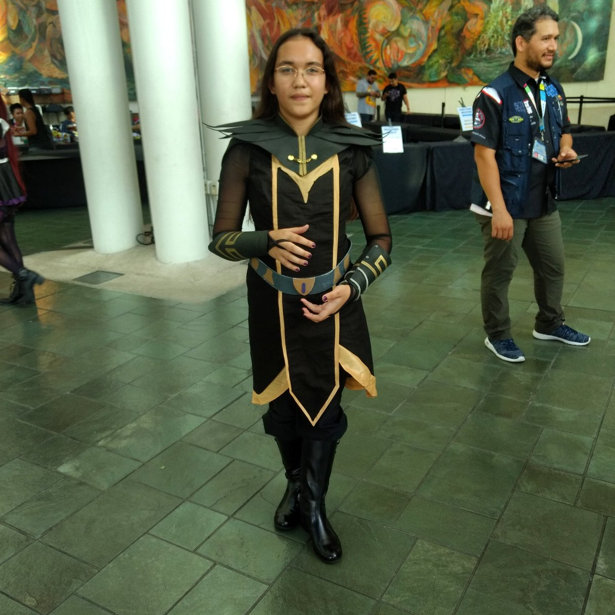 A great Claudia from The Dragon Prince #dragonprince #cosplay #comicconhonolulu2019 https://t.co/gwCykPKfaY