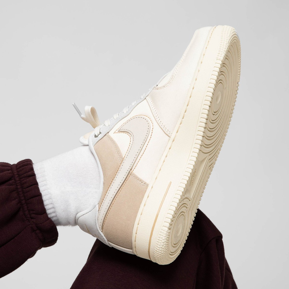 Nike Air Force 1 PRM Pale IvoryLight Cream Desert Ore Sail