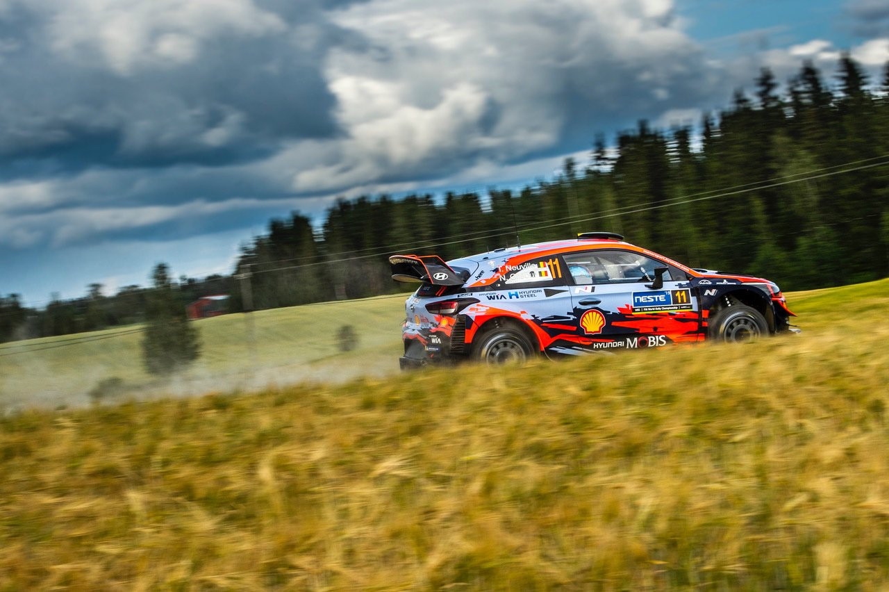 Thierry Neuville TCR Germany Rally di Finlandia