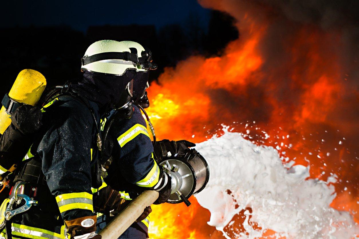 Открытка тебя, картинки про пожарных спасателей