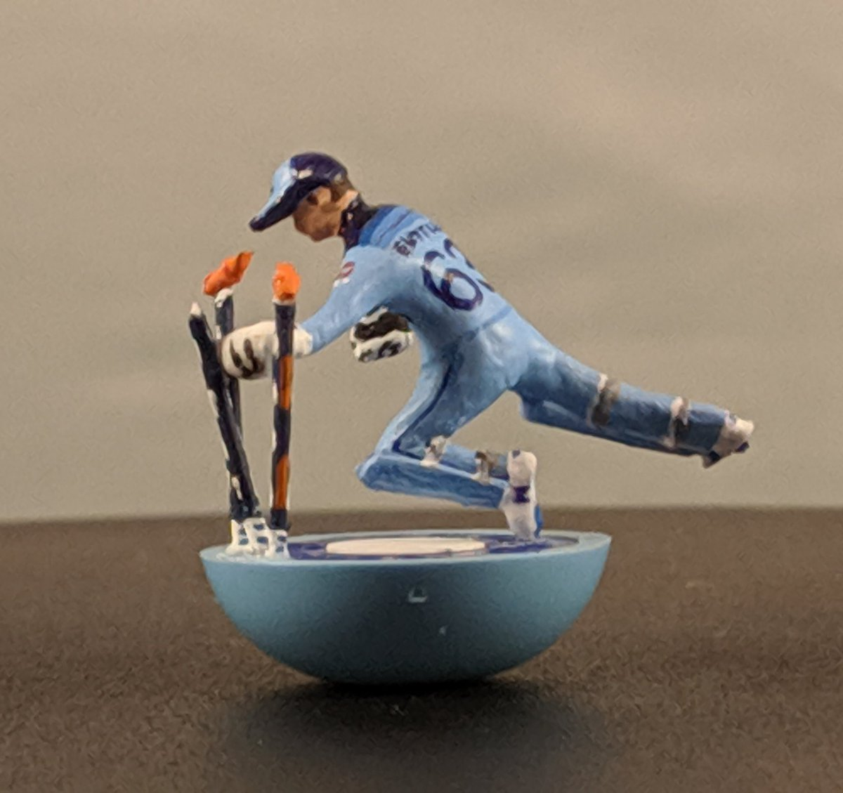 The moment that ended England's long wait to be Cricket World Champions in probably the most intense cricket game ever recreated as a Subbuteo figure. #Subbuteolegends #subbuteo #CricketWorldCupFinal #cricket #ecb #josbuttler #handmade #hobby @josbuttler @ECB_cricket #tailenders<br>http://pic.twitter.com/sHQ6Or1Z2j
