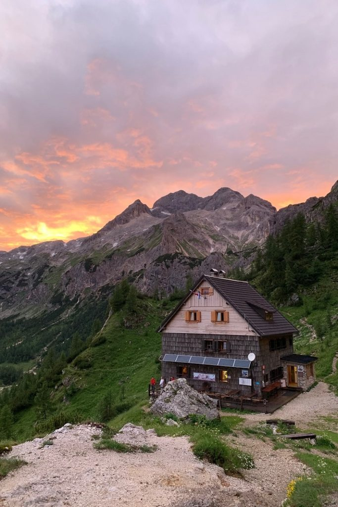 The most scenic tour to #Triglav via @ExploringSlo✔️Take the trails up to the very top of the highest Slovenian mountains and reward yourself with breath-taking views.👉https://ter.li/vxt4df #ifeelsLOVEnia #hiking #hikingtour