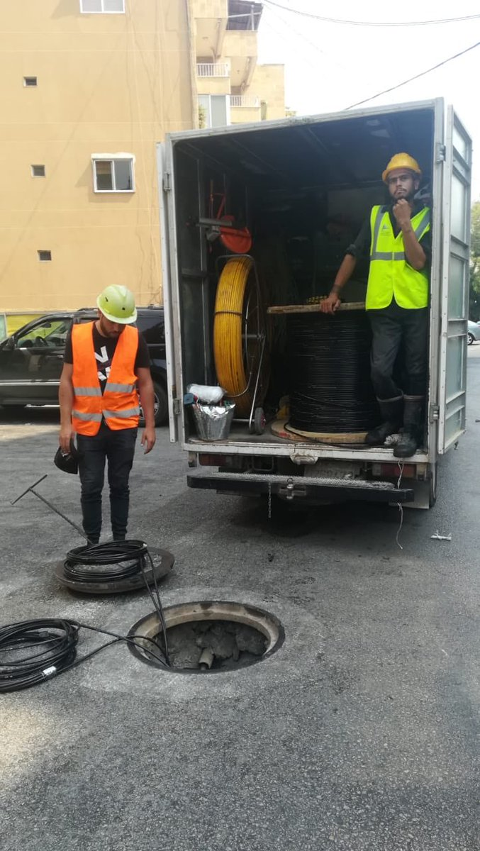 Fiber cable deployment in Hazmieh. FTTH full speed. <br>http://pic.twitter.com/nvIYwOzd4W