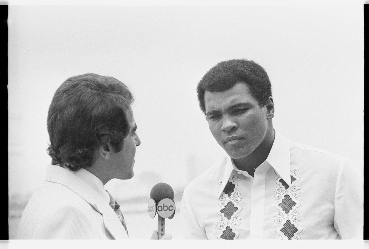 Ali had the world hanging onto every word. . #MuhammadAli #FreeSpeech #poet #loudandproud https://t.co/VGALvS22dK