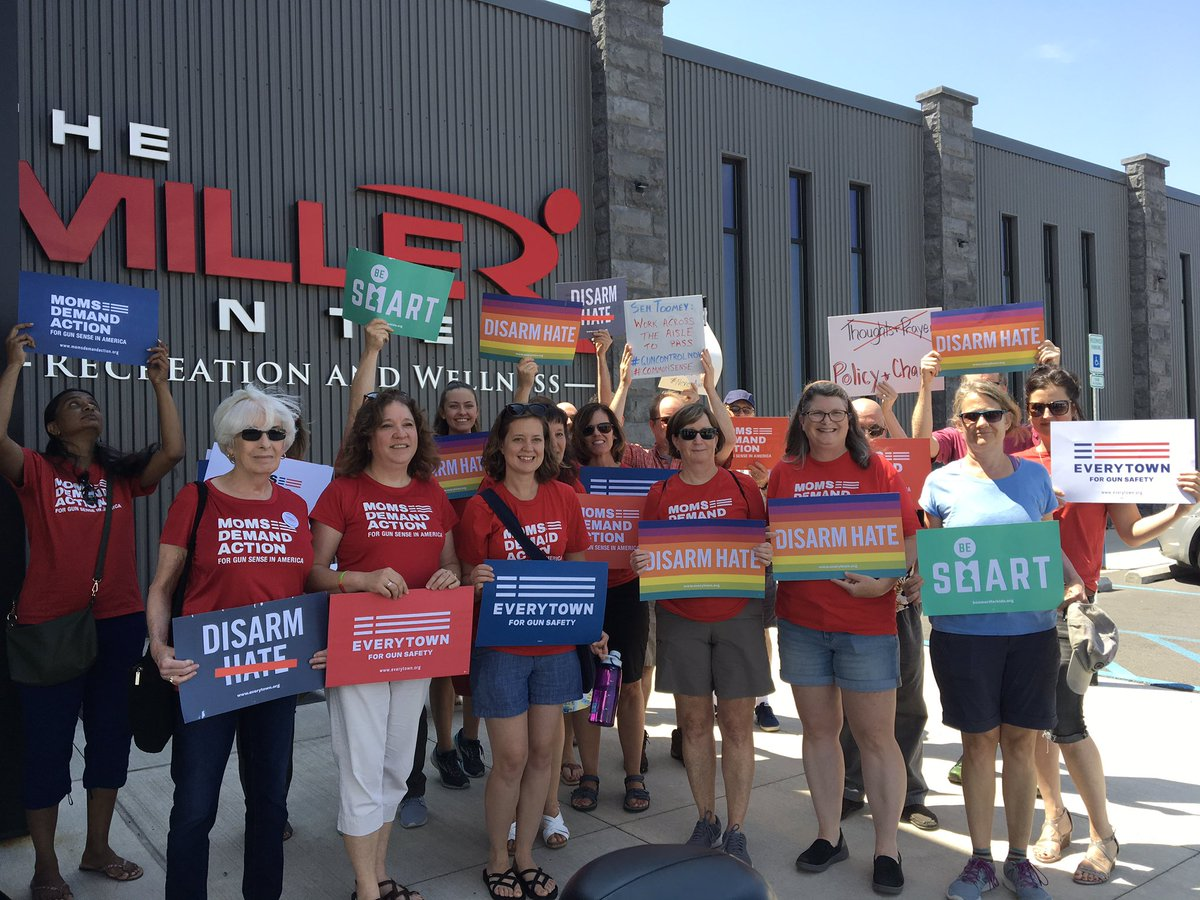 Before forum @SenToomey & @RepFredKeller are holding, another group @MomsDemand gather