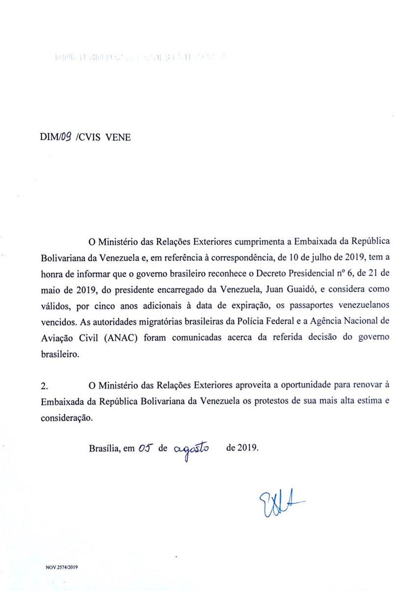 Nota firmada por el Ministro @ernestofaraujo donde se anuncia la aceptación de los pasaportes venezolanos vencidos por un periodo de 5 años, a partir de su fecha de vencimiento. Un logro más de la gestión de la embajadora @matebe y el gobierno del presidente (e) @jguaido https://t.co/cy5R9nJmOc