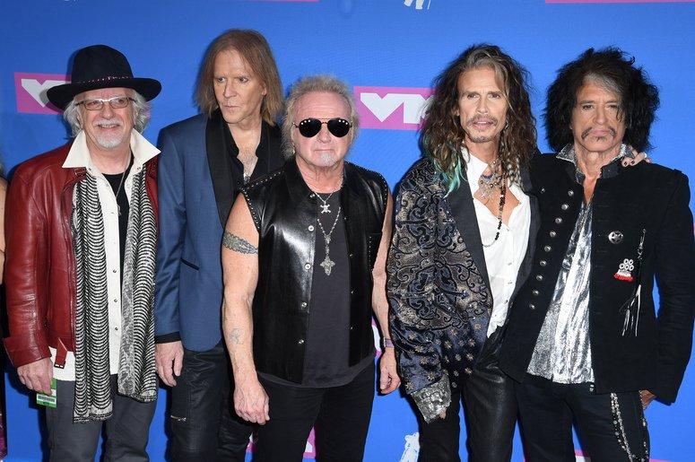 Joe Perry Speaks On Aerosmith's Plans For 50th Anniversary @MsAngelaChase https://t.co/TcgLobGZLX https://t.co/nIR44JoJtS