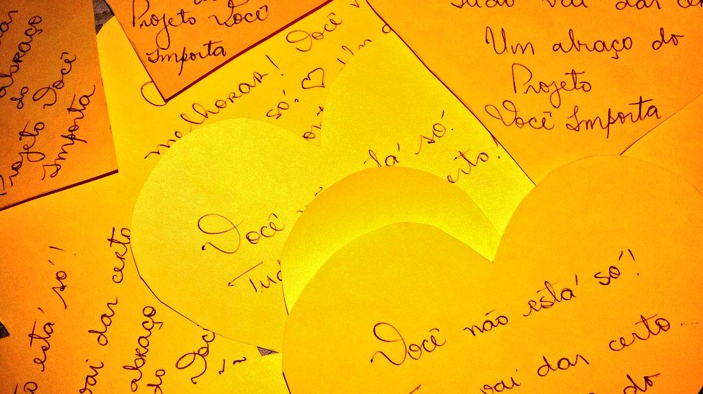 Amanhã teremos ação de prevenção ao suicídio e de combate à solidão na entrada das estações do @metro_rio 🎗  Encontrou um coração amarelo? 💛 Pegue! É pra você!   #ProjetoVocêImporta #SaúdeMental #EquipeDeApoio