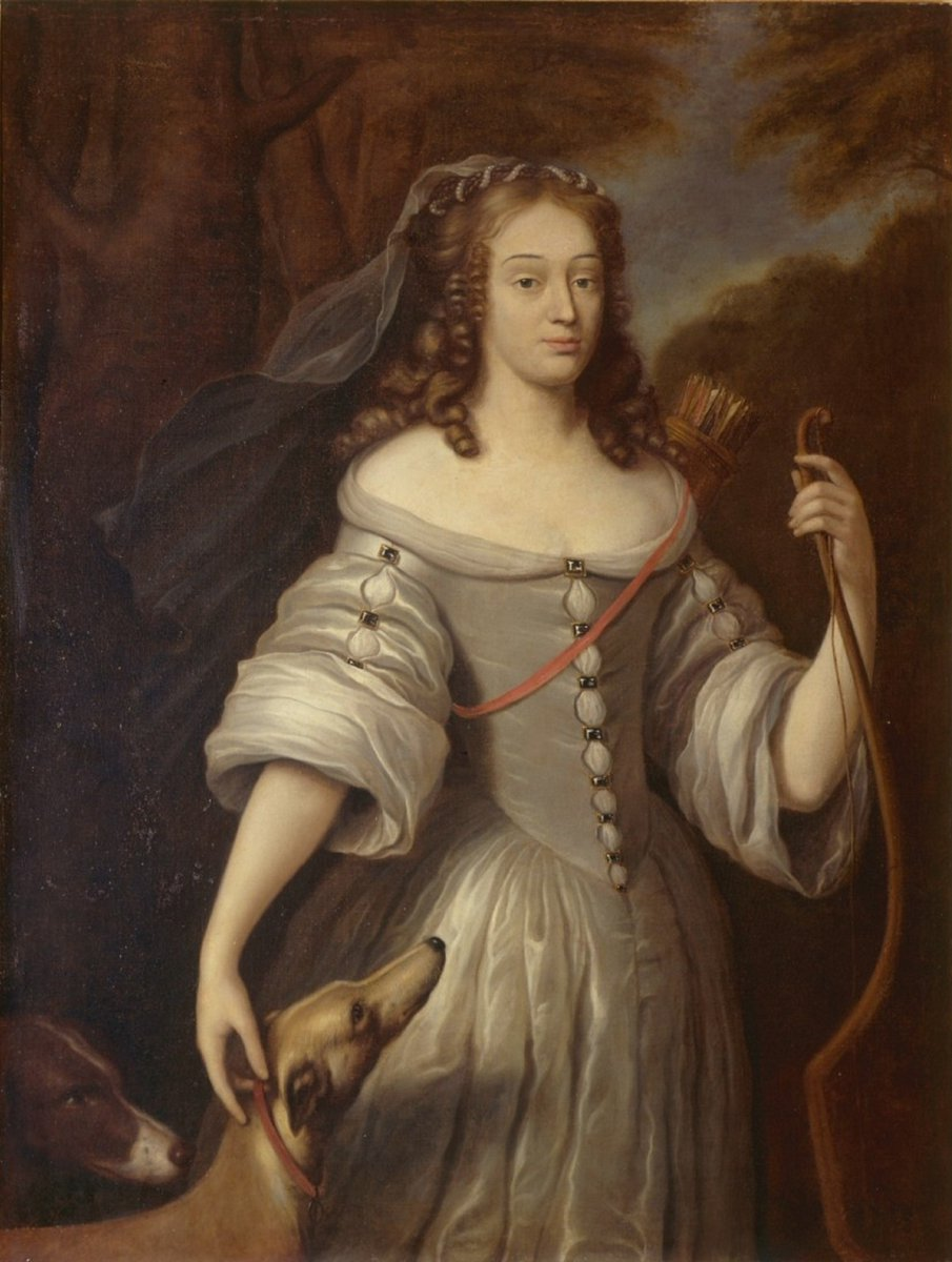 Today in 1644 - Louise de La Vallière was born. Louise was an excellent horsewoman and while a riding accident as a girl left her with a limp, it did nothing to prevent her being an accomplished dancer. More on Facebook:  https://www. facebook.com/17SFemme/     #OnThisDay #CeJourLa <br>http://pic.twitter.com/b7W8VSMnBS