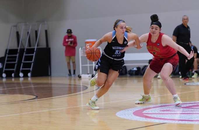 Greta Kampschroeder is one of the top players in the nation and has parsed her list down to a final 8 schools. See how this past summer went, how she's preparing for the upcoming year, what her timeline looks like for deciding on a school (FREE):