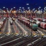 Le pari semblait un peu fou à l'époque, mais trois ans plus tard... « Nous transportons environ 1,4 million de passagers par an dans nos trains de nuit, et la tendance est à la hausse » : l'improbable renaissance du train de nuit en Allemagne https://t.co/6KlyvTLKWp