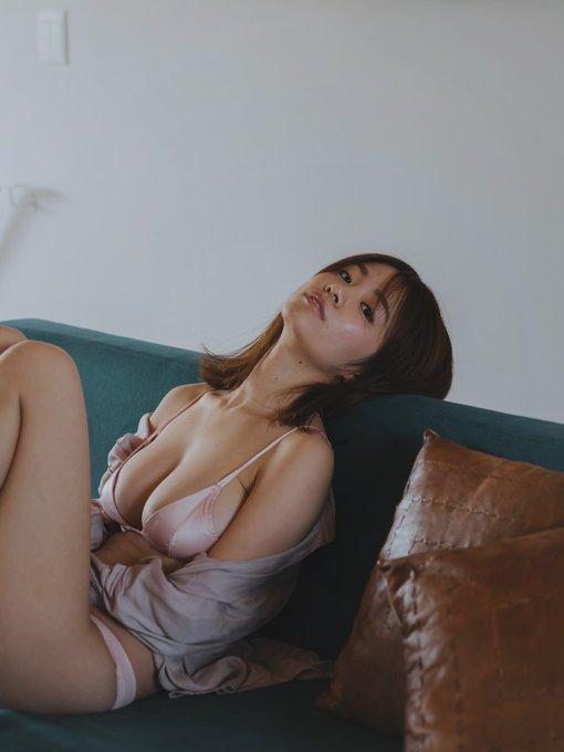 グラビアアイドル菜乃花のTwitter自撮りエロ画像40