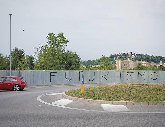 #futurismo #walltag #roundabout #citystreets https://t.co/E14grmrV86