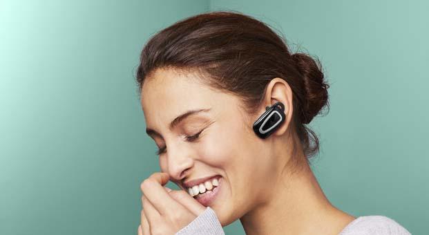 Tchibo'dan yolda güvenle konuşmanız için USB şarj istasyonlu, Bluetooth'lu kulaklık
