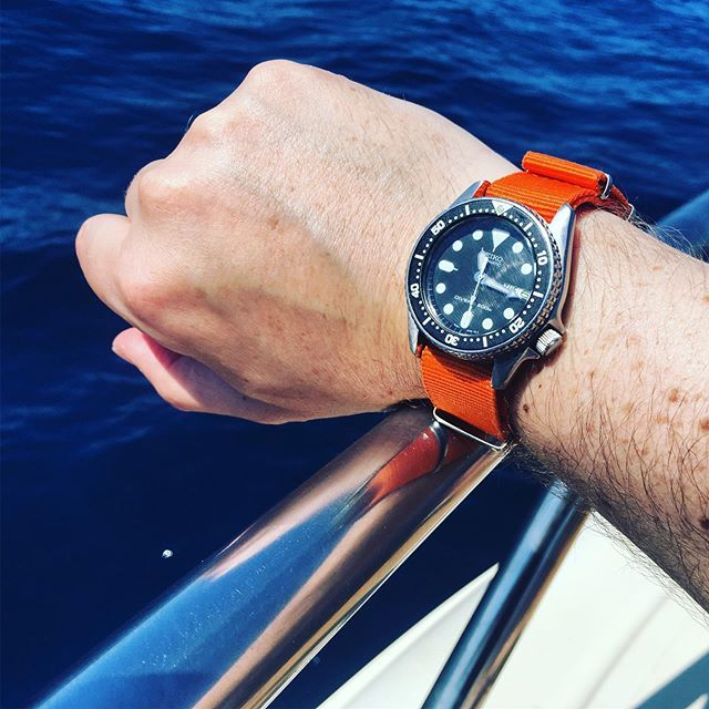 Beautiful day sailing in #Italy wearing my #seiko #skx013 on an orange 🍊 #nato  #natostrap  #wristwatch #wristwatchcheck #wristwatchporn #wristwatches #wornandwound #seiko #watches #watchfam #watchesofinstagram #watchoftheday #watches #italia #lazio #gaeta