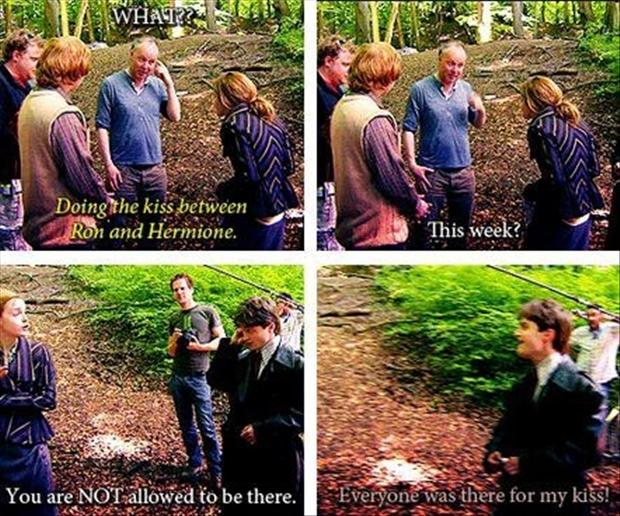 Behind the scenes of the Ron and Hermione kiss. <br>http://pic.twitter.com/tLyPJBTWml