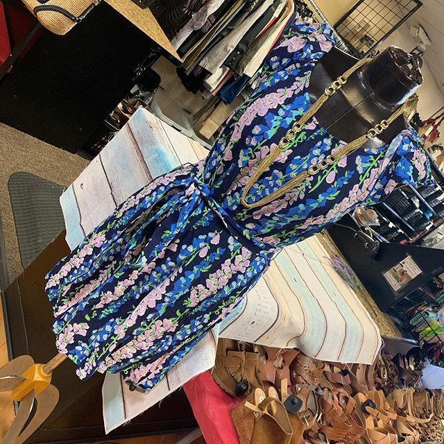 #lovelylilly #casualandcute  Lilly Pulitzer dress size L $22.50  To purchase give us a call at 610-455-1500, send us a DM of this post with your PayPal email or stop in store before 9pm  Have designer goodies that you'd like to sell? We offer premi… https://ift.tt/2Th8pAwpic.twitter.com/392VGuUdvF