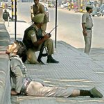 Image for the Tweet beginning: Indian soldiers in Kashmir are