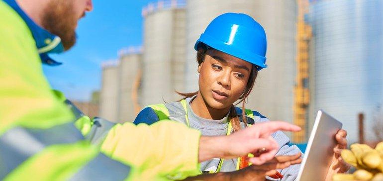 Image for the Tweet beginning: How BIM technology helps contractors