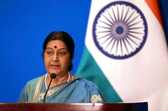 Shocked to hear the sudden demise of @SushmaSwaraj ji. She was a gracious lady & astute parliamentarian. Did a excellent job as the External Affairs Minister. My heartfelt condolences to her family members. #OmShanti 🙏
