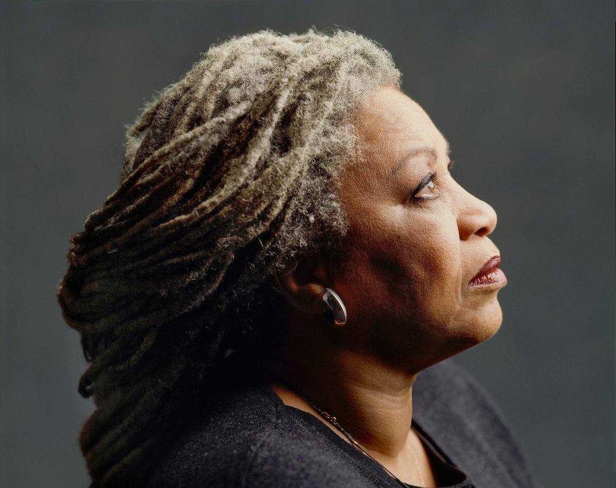 Grazie Molly   You wanna fly, you got to give up the thing that weighs you down  #ToniMorrison  #6agosto <br>http://pic.twitter.com/4448Zy1tKT