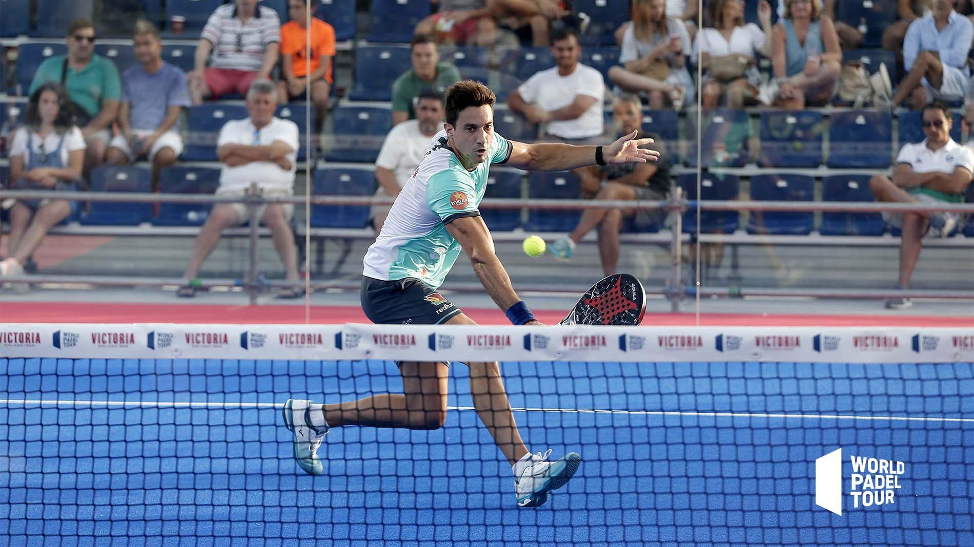 Volea de revés de Christian Fuster en el Mijas Open