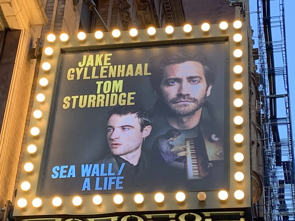 Tonight's show: @SeaWallALife at @hudsonbway. And happy to be traveling with @amyvirshup.