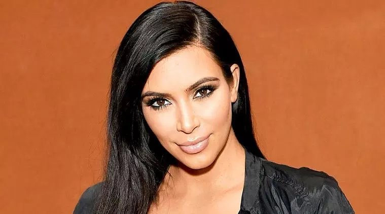 LA model calls out celebrity photographer for 'soliciting nudes'; Kim Kardashian West, Ariana Grande say 'shocked' https://t.co/UvsSgJtfmh via @indianexpress #lifestyle https://t.co/FyyiOwLjpM