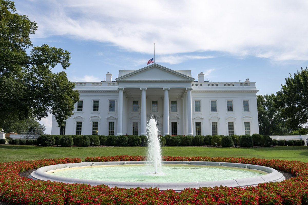Pleasing The White House On Twitter President Realdonaldtrump And Home Interior And Landscaping Ymoonbapapsignezvosmurscom