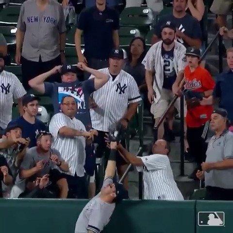 Mike Tauchman, ARE YOU SERIOUS 😱(via @MLB)