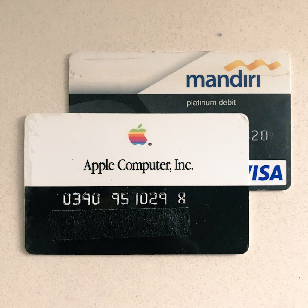 Pinot W Ichwandardi On Twitter Mistakenly Put The Old Apple Credit Card For Bank Mandiri Atm I Need New Glasses