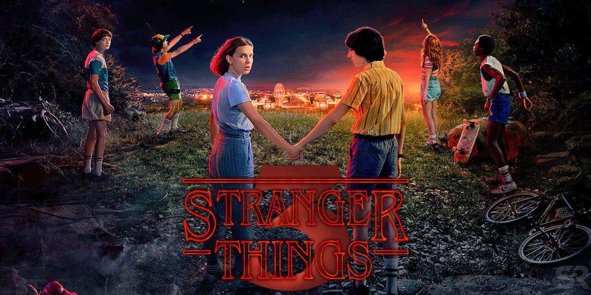 Finally sitting down for Stranger Things! Binge night baby. #StrangersThings3 <br>http://pic.twitter.com/nMpG0THclG