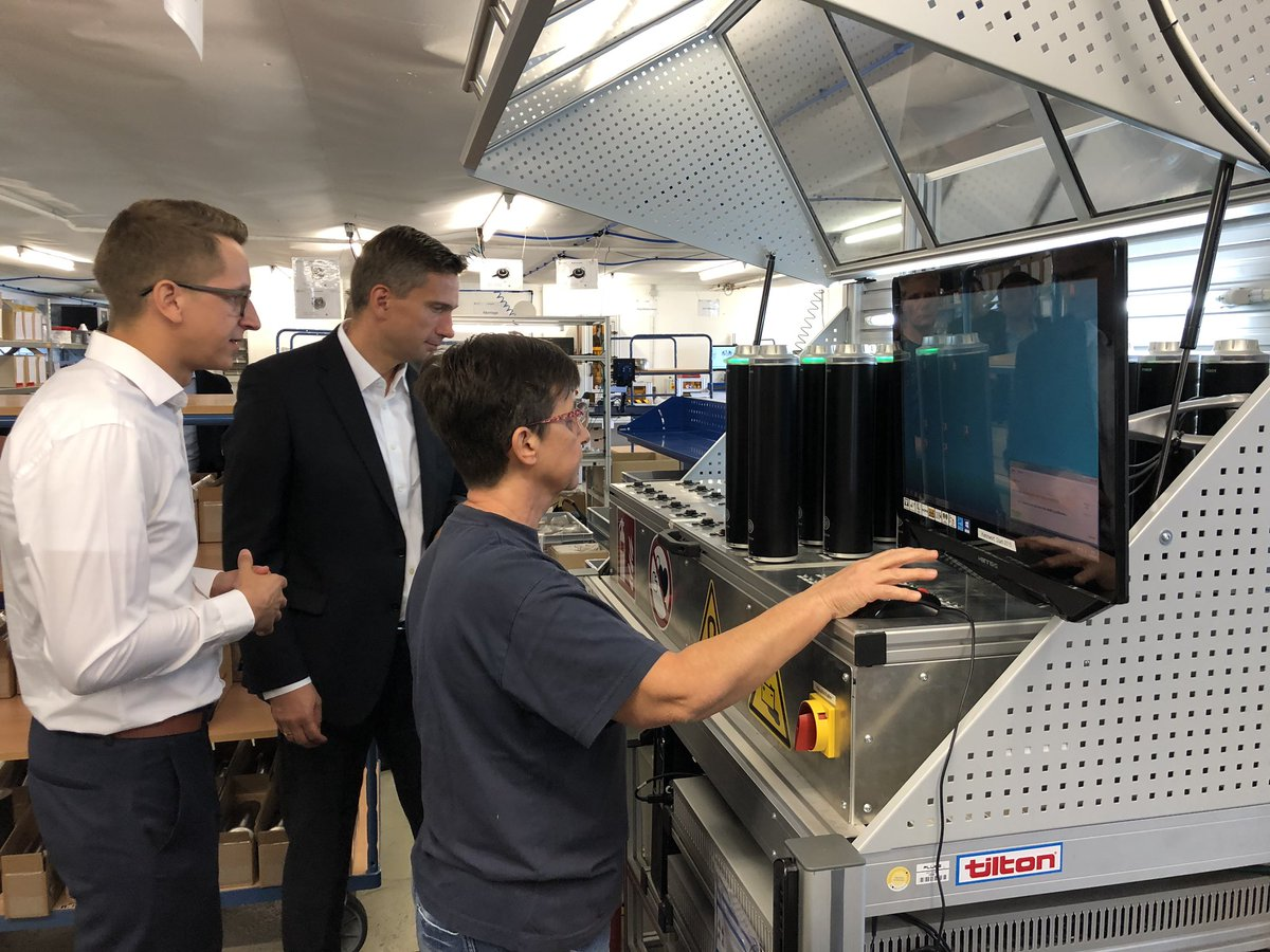 Graph classification and clustering based on